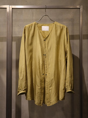 TrAnsference collarless silk shirt garment dyed - ginkgo