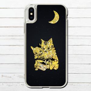 #000-056 iPhoneケース ねこ キラキラ グリッター ケース 可愛い iPhoneXS/X 人気 女子 セール iPhone6/6s/7/8 (iPhoneシリーズのみ対応・iPhonePlus非対応) タイトル:猫の読み聞かせ