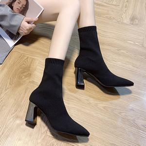 【シューズ】レトロ定番ミドルヒール丸トゥジッパーショート丈ブーツ