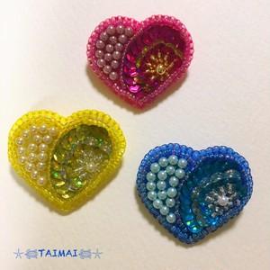 ハート形のミニブローチ(パールとお花)1個
