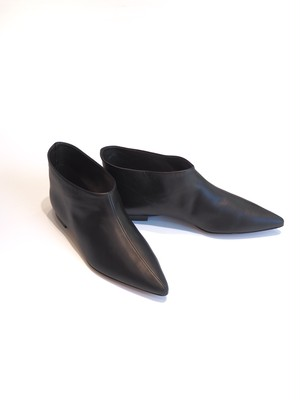 【ELIN】Pointed toe mini boots