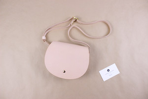 JAPAN LANSUI DESIGN 名入れ対応 ヌメ革手作り手縫い MINI丸ショルダーバッグ 品番JF9045453