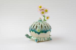 透かし彫りカメ花器(水色)