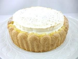 15cm 月替わりホールケーキ・9月「ムース・ノア・ドゥ・ココ」アイス感覚で味わうココナッツムースのケーキ