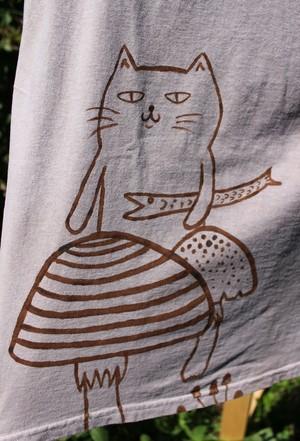 草木染、梅の木染め、絞り染め 綿100 きのこと猫 半袖Tシャツ 男性用xLサイズ 手描きイラスト