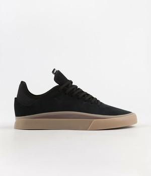 adidas / SABALO / black / gum