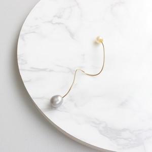 ■twist pearl pierce -gray-■ ツイストパールピアス グレー