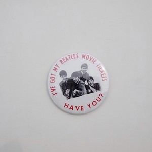 1960s THE BEATLES BADGE