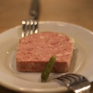 パテ ド カンパーニュ Pâté de campagne 豚だけで作る 田舎風パテ お肉がみっちり 新鮮さが決め手!