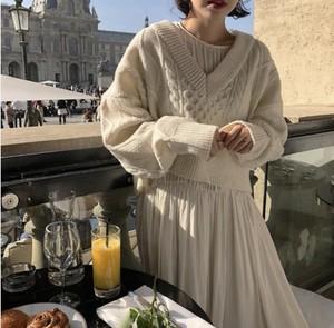 Vネックニットセーター+ドレスセット