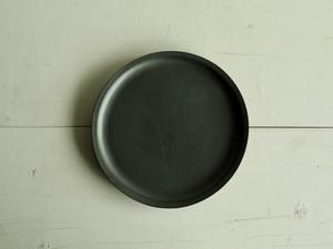 ナローリム皿  黒マット釉