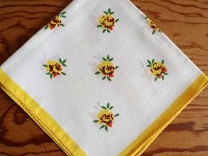 【レトロハンカチ その2】鮮やかな黄色のバラのプリント ハンカチ /ヴィンテージ・未使用品 ドイツ