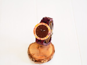 貴重材「パープルハート」木製腕時計(フレームに薔薇の押し花と金箔)