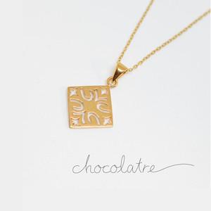 chocolatre「プラリネ」ゴールドペンダント