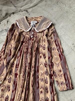 vintage big collar design dress