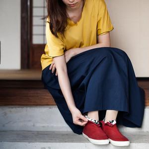 予約販売 9月末発送予定 ハイカットシューズ  TABI レッド (0.5㎝UPがおすすめ)裏地黒小花柄