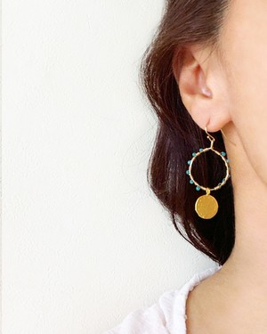 gold coin with stone pierced earrings /  on the beach      OBH-018