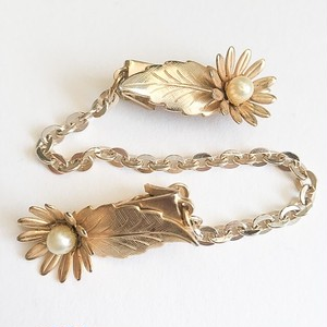 gold flower & leaf sweater clip[s-207]