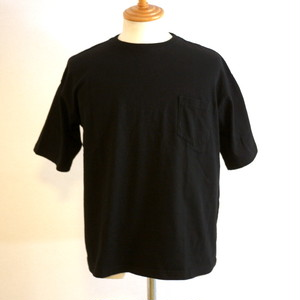 OMIYAGE Big Muji Tee With Pocket Black