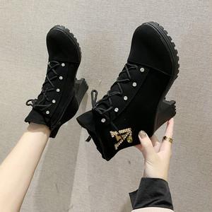 【shoes】金属飾り美脚チャンキーヒールブーツ 24134227