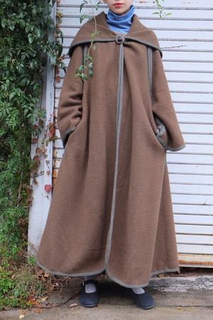 shizukesa coat.