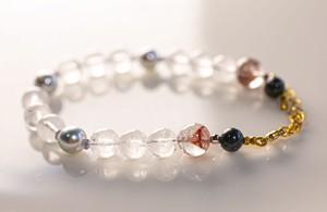ゴシュナイト(ホワイトベリル)とアコヤ真珠のブレスレット