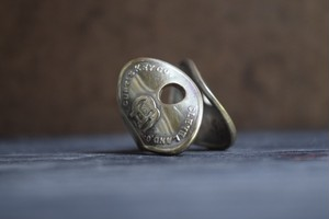 THUMBS UP MARKET original antique KEY RING1