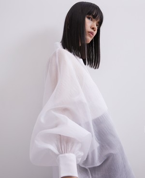 OVERSIZE SHIRT WITH PUFFED SLEEVES [220122193202]