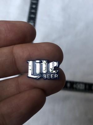 アメリカ ピンズ ビンテージ ピンバッジ  ビール miller