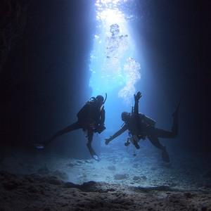 「青の洞窟」体験ダイビング♪
