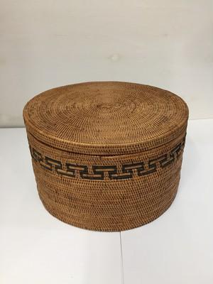 アタ 蓋付き 模様編み 丸型 (中)