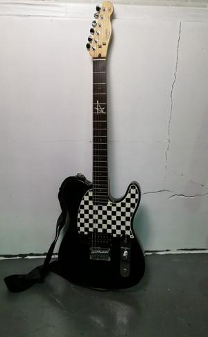 688 美品 スクワイア ギター アヴリルラヴィーンモデル テレキャスター