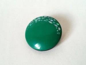 螺鈿丸ブローチ 緑B