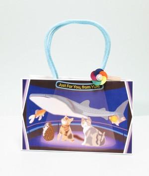 ハリネズミと猫たちの休日2(水族館にて)~スマートミドルサイズ紙袋~