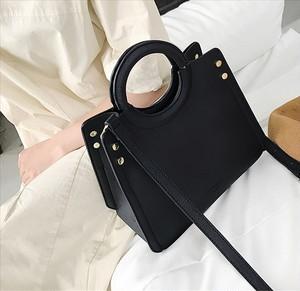 サークルハンドル 黒 シンプル バッグ【16408】