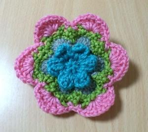 ブルーピンクのお花のコサージュ