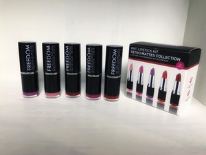 MakeUp Revolution Retro Matters Collection