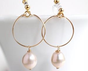 ゴールドフープと大粒ピンク淡水真珠のノンホールピアス