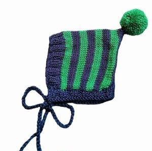 (予約オーダー:発送10月中旬)6か月~2歳 手編みボンネット帽 Navy,Emerald (Emeraldボンボン)