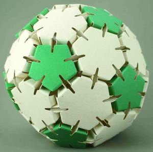 紙エコペーパークラフト サッカーボール 緑