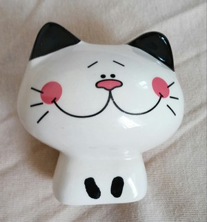 猫マスコット置物