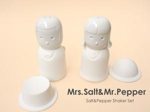 Mrs.Salt&Mr.Pepper ソルト&ペッパーシェイカー お塩・こしょう入れ