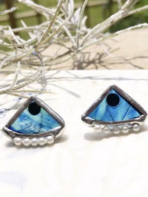 小さめシリーズ♡ブルーのマーブルガラスとパールのピアスの