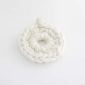 ウールで編んだ 鍋敷き
