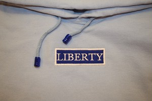 LIBERTY BLUE SNOW BOX HOODIE 期間限定