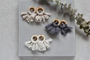 Italy raffia × ribbon -charcoal gray- earring/pierce