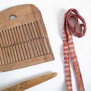 19世紀 木製バンド織り機とシャトル(ベルト付き)