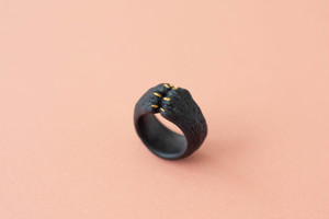 ネコの手リング[black]受注生産