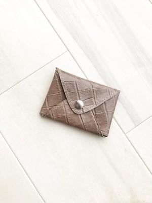 クロコ革小物 カードケース 名刺入れ 大容量 本革 レザー クロコ型押し カフェオレ