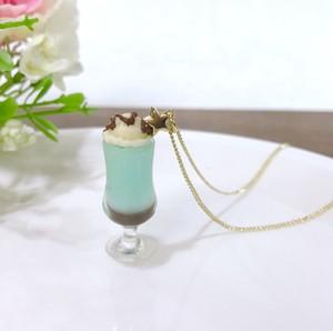 1番星のクリームソーダ(チョコミント)ネックレス / フェイクスイーツ